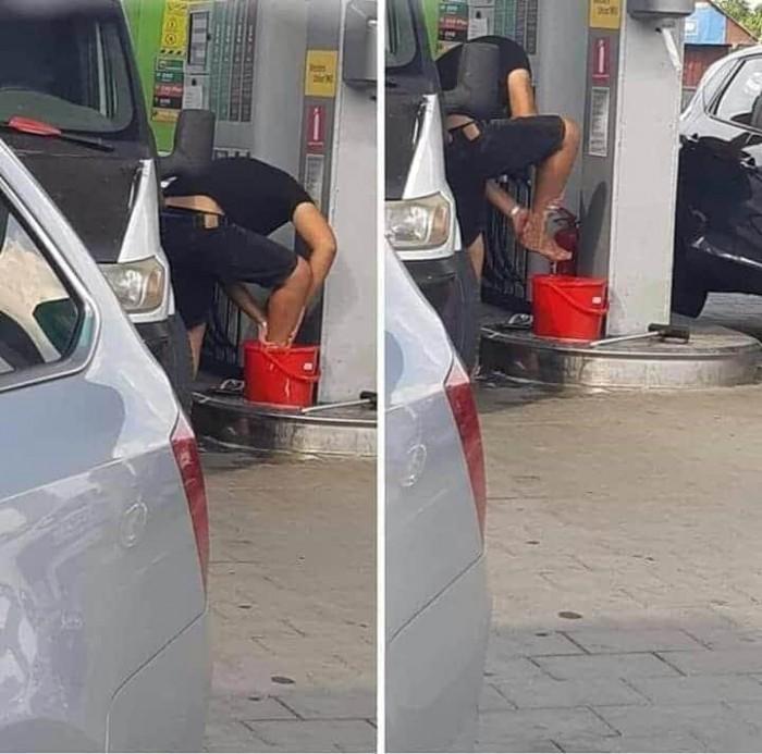 Вицове: Е за това са тия кофи по бензиностанциите да знаете