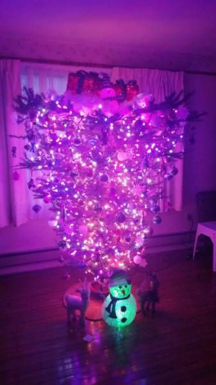 Вицове: Как да украсим идеалната коледна елха !?