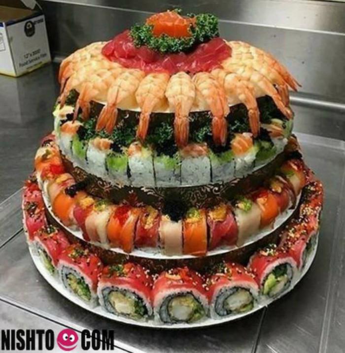 Вицове:   Суши торта